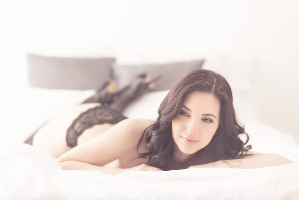 Toronto boudoir photography sessions