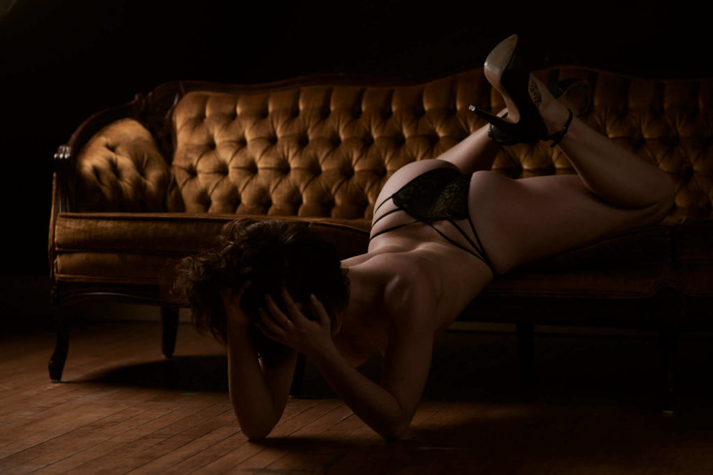 Toronto boudoir photography studio professional body positive
