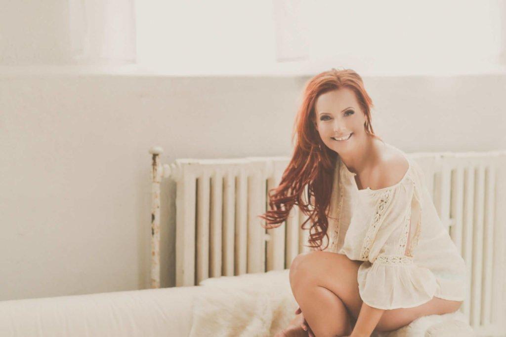 Toronto boudoir photography studio professional body positive bridal boudoir plus size