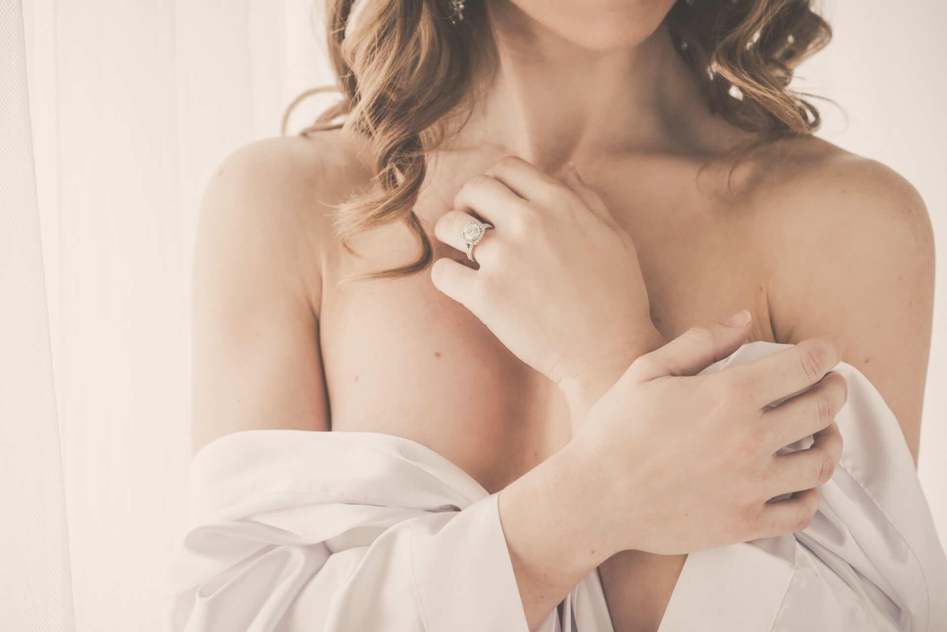 Toronto boudoir photography intimate portraits sexy lingerie toronto studio professional