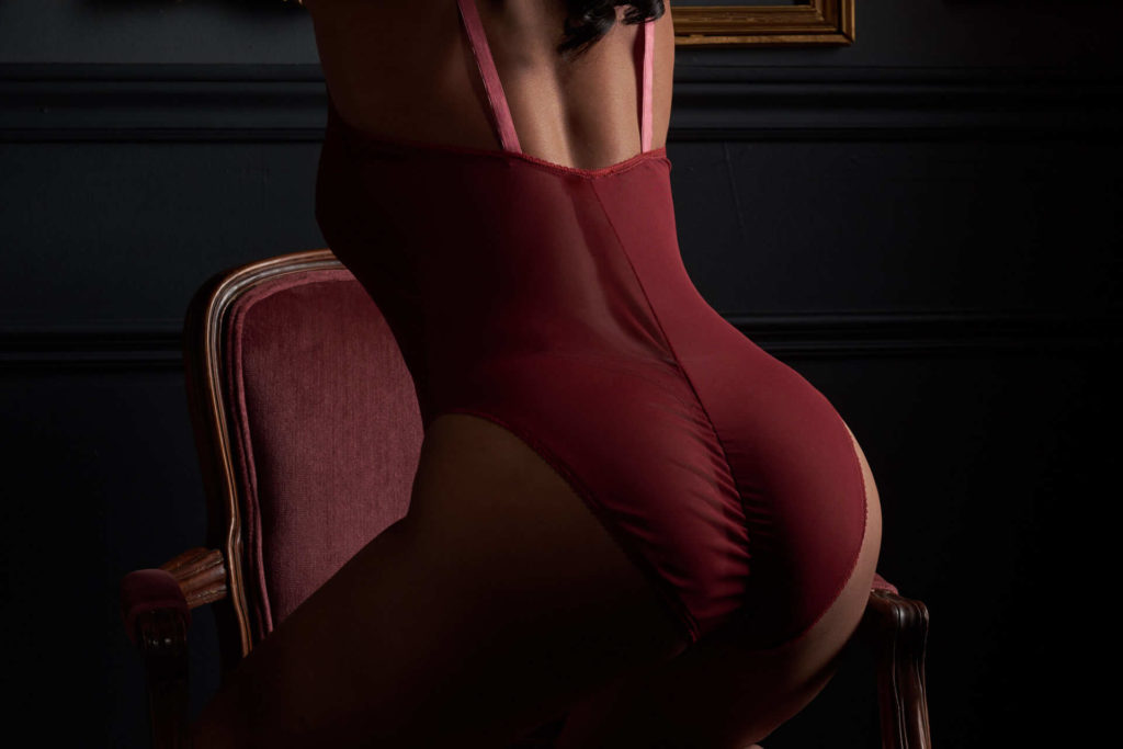 boudoir toronto studio professional lingerie sexy intimate underwear sensual nude photography